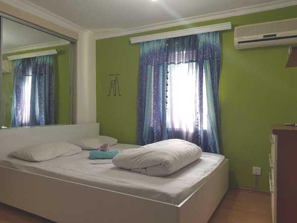 JZ Hostel yataq otaği