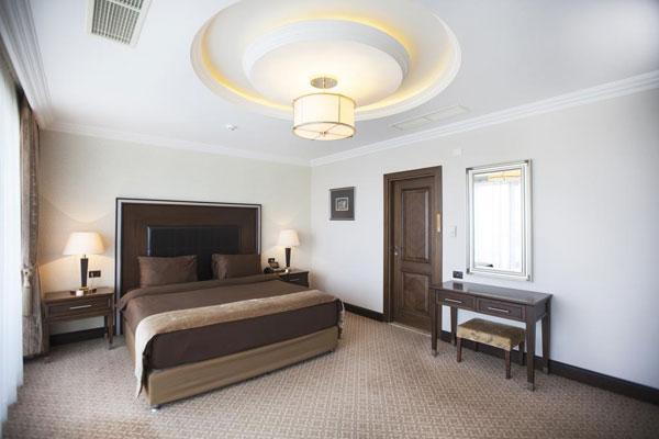 Chinar Hotel & SPA Naftalan yataq otaği