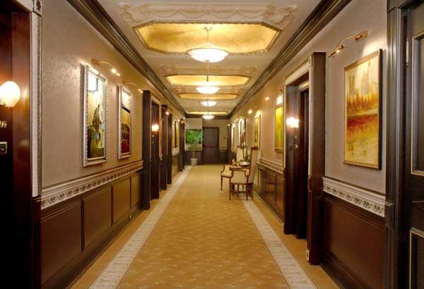 Excelsior Hote koridor