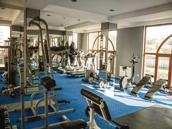 Fitnes-zali-Dubai-Hotel-Baku