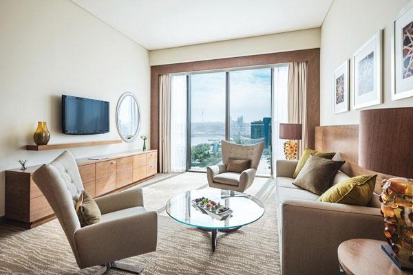 Marriott Absheron Baku Hotel qonağ otaği