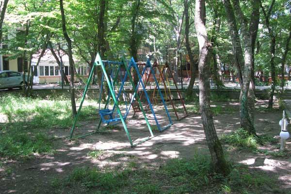 Детская площадка в зоне отдыха Лотос