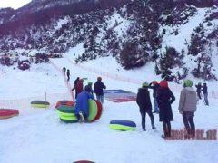 Впервые в Азербайджане открылся парк Snow Tubing