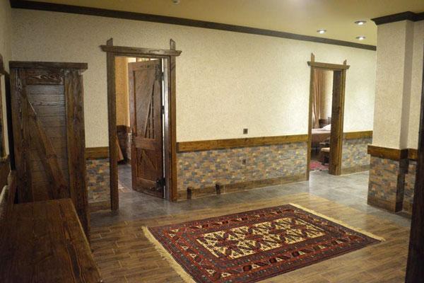 Холл отеля в Гах