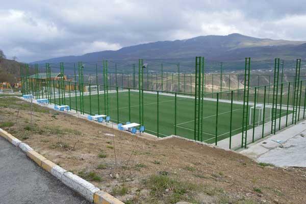 Стадион в Гусарах