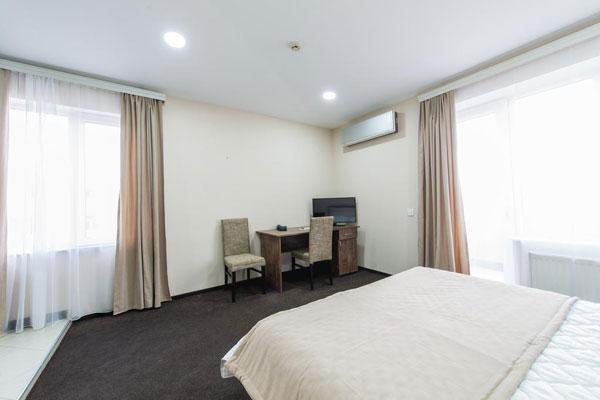 Спальная отеля Terrace Hotel