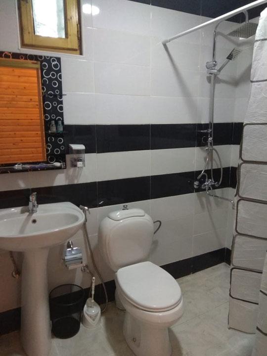 Туалет отеля Кунжут Шеки