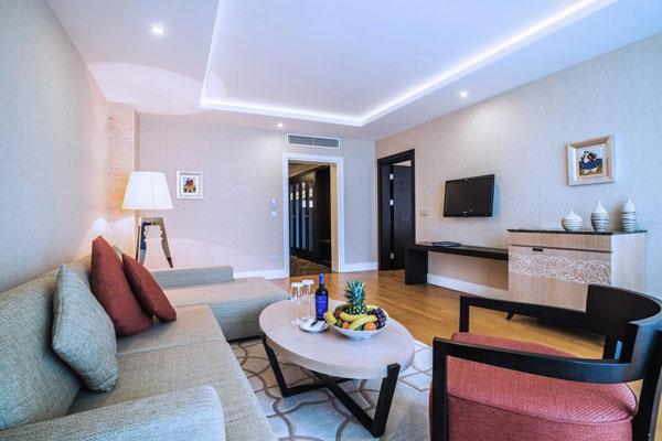 Гостиная отеля Pullman Baku