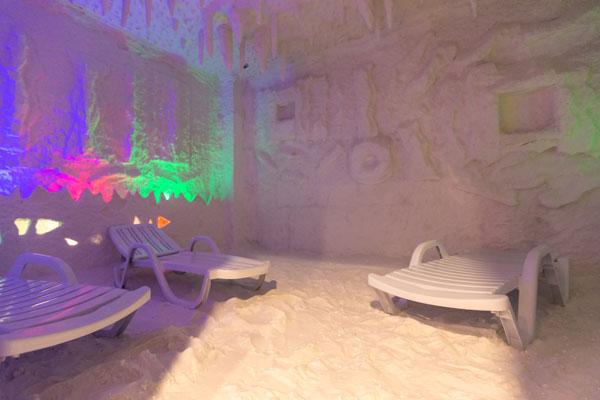 Соленные ванны отеля Мархал Шеки
